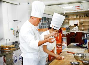 <b>陕西新纪元烹饪学校|怎样选择好的小吃培训机构</b>