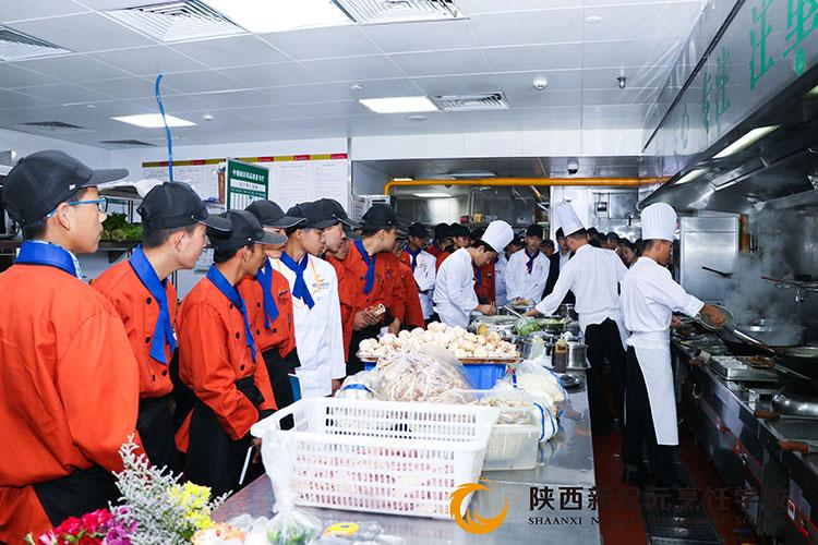 <b>什么是校企合作?来陕西新纪元烹饪学校看一看</b>